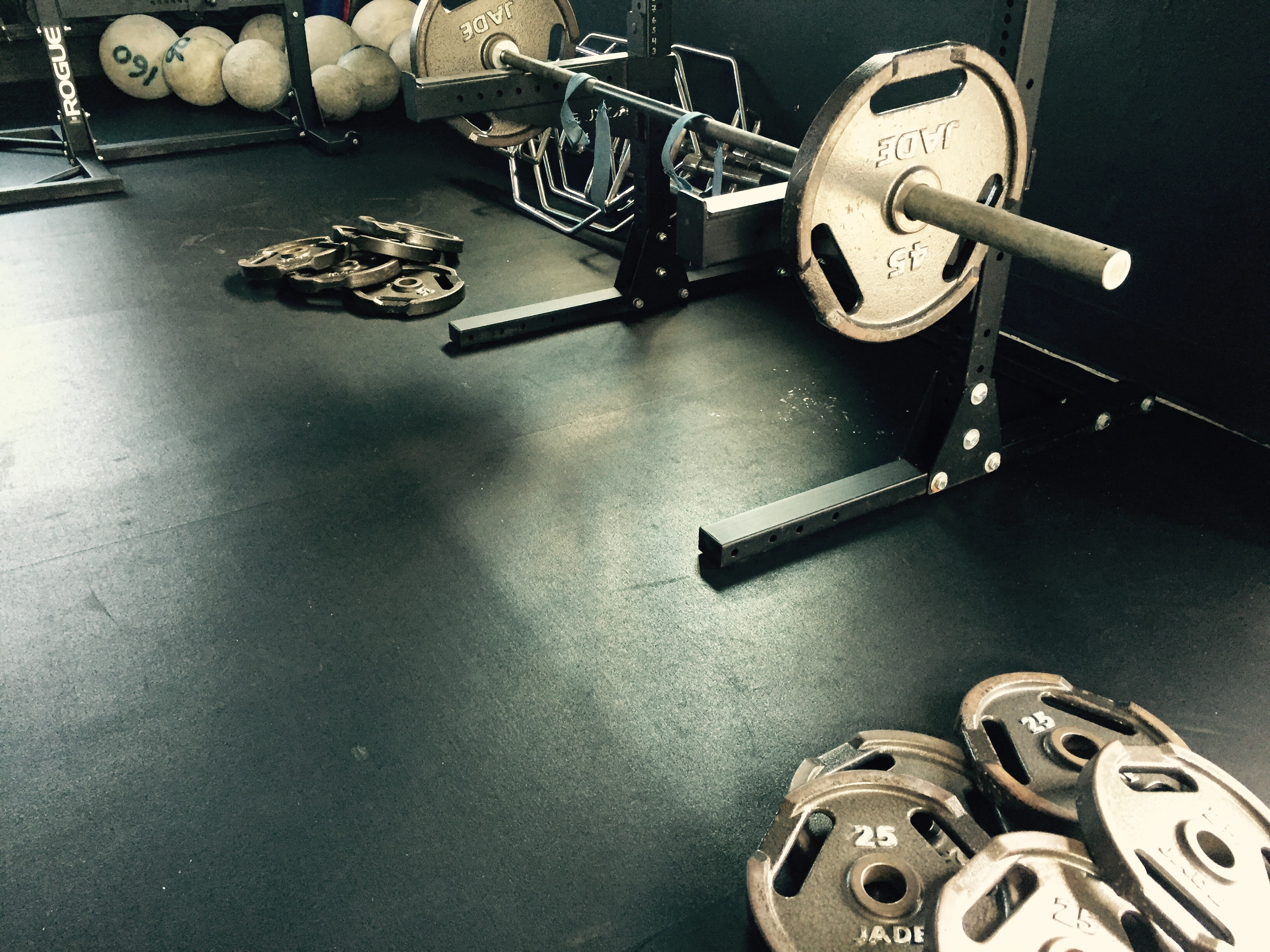 Barbell and plates photo